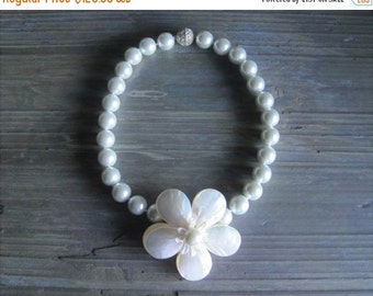 20% OFF ON SALE White Shell Pearl with Handmade Shell Flower Necklace, Hand Knotted Jewelry