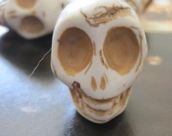 30% OFF SALE Howlite Skull 30mmx24mm, 1 pc