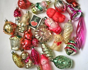 Vintage Christmas Decorations Glass Baubles Ornaments set of 20 Set 8 1970s from Russia Soviet Union USSR