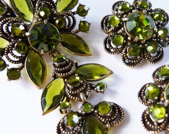 Hollycraft for Weiss olive and gold tone rhinestone brooch clip earrings rare set | designer signed collectible