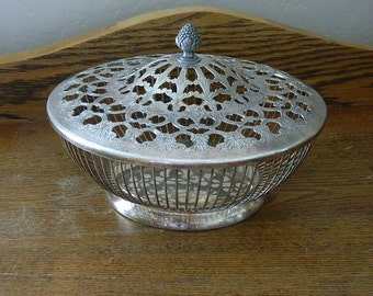 Round Wire Basket With Decorative Lid - Silver Plated Basket - Fruit Bowl - Made In Italy