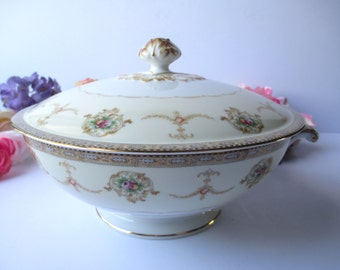 Vintage Covered Dish Meito Vivian Floral