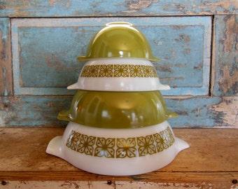 Verde Square Flowers Green Cinderella Mixing Bowls Pyrex Vintage Set