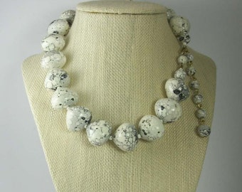 Gorgeous Vintage Speckled Black and White Bead Necklace, Unique Designs, Light Weight,