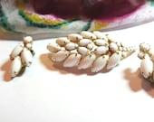 White Milk Glass Leaf Brooch Pin Earrings Vintage Jewelry Set