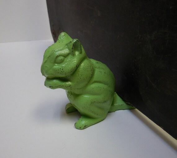 Cast iron chipmunk squirrel doorstop door wedge nature green - Cast iron squirrel door stop ...