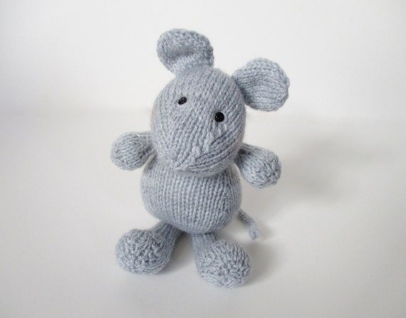 Putney Mouse toy knitting patterns