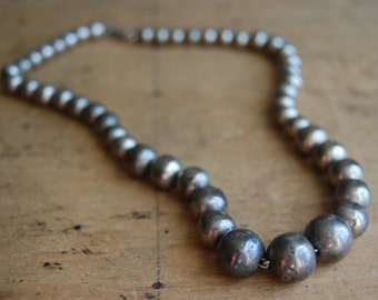 Vintage Taxco Mexican sterling silver graduated bead necklace