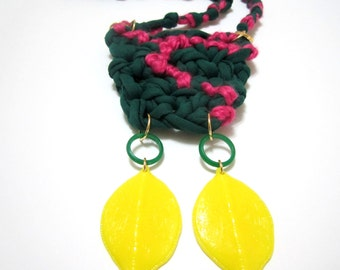Knitted Crocheted Fiber Textile Green Pink T-Shirt Yarn Handmade Necklace
