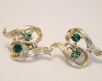 Vintage earrings. Green crystal earrings. Clip on earrings.