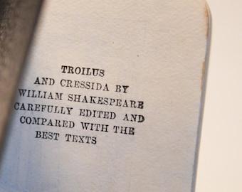Vintage Shakespeare mini book. Troilus and Cressida .  Edited