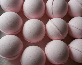 5 medium sized ROUND bath bombs 2.5 oz each (select from over 100 fragrances) our Little Balls (great for dry skin)