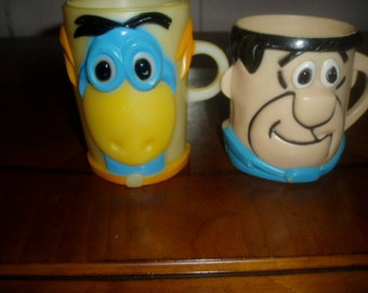 Two 60s Flintstone Cups Dino Dinosaur & Fred Advertising Vitamin  Mugs