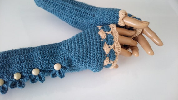 Indigo and Camel Color Crochet Fingerless Gloves/beige button/Fingerless
