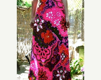 SALE Vintage 70s Pink Paisley Maxi Skirt