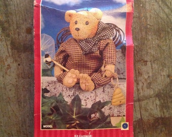 Vintage Homespun Traditions Resin Bear Kit
