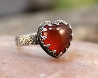 Glowing Heart 10mm Heart Shaped Smooth Cabochon Carnelian in Heart Crown Bezel with Ferns Band Sterling Silver Ring