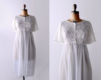 60's lace robe. butterfly sleeves. 1960 ivory negligee. blue. empire waist. 60 nightgown. L.