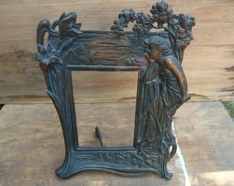 Vintage Art Nouveau Figural Picture Frame