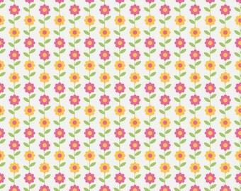 Riley Blake Designs Summer Song Daisy White Fabric  - 1 yard