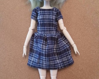 Short sleeve blue plaid dress