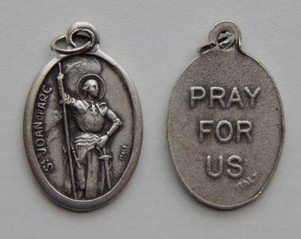 5 Patron Saint Medal Findings - St. Joan of Arc, Large Pray, Die Cast Silverplate, Silver Color, Oxidized Metal, Italy Made, Charm, RM504