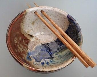 Handmade Stoneware Rice Bowl Noodle Bowl Ramen Bowl with Chopstick Rest Left Handed
