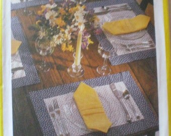 Simplicity 123 - Home Dec Sewing Pattern for 10 Placemats and Napkins - Uncut