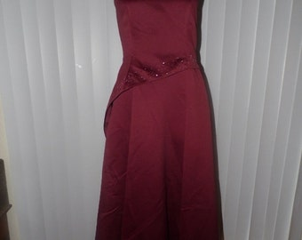 25% Off Sale Vintage  Full Length Deep Cranberry Evening Gown with rhinestones/Sz 5