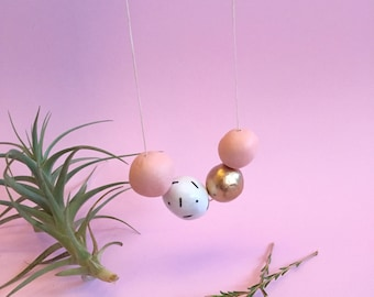 A Peachy Day Necklace