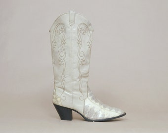 RESERVED Snakeskin Boots 80s Cowboy Boots Acme Cream Faux Topstitch Western High Heel Biker Rock N Roll 1980s / Size 9