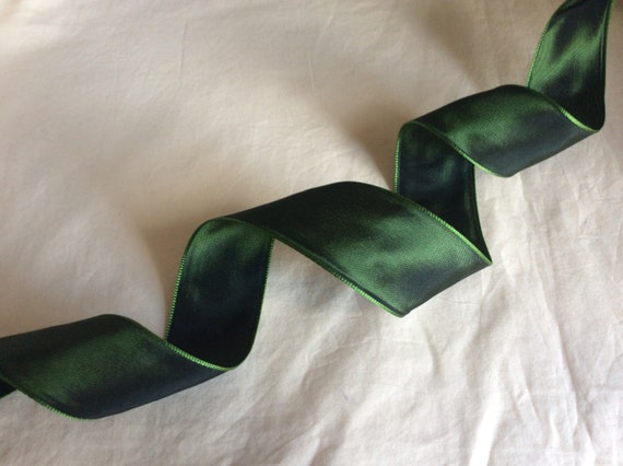"""Moss Green Wired Taffeta Ribbon. 1.5""""/ 4 cm wide. Sold by the metre"""