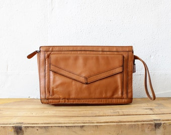 Envelope Clutch • Brown Leather Clutch • 70s Purse • Wristlet Clutch • Leather Wristlet • Vintage Clutch • Leather Clutch Bag | B457