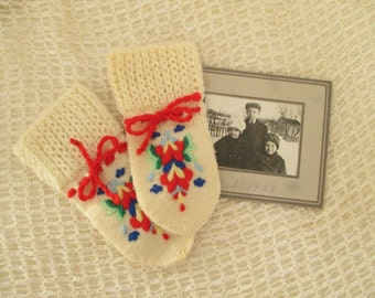 Vintage Children's Hand Knit Mittens - Hand Embroidery, Red, Blue, Yellow, Home Decor