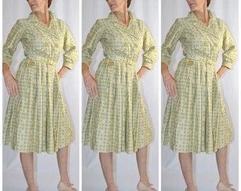 Vintage 1950s Pale Green Medallion Print Cotton Full Skirt Shirt Waist Day Dress 26 Inch Waist