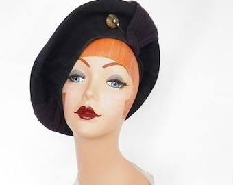 1940s platter tilt hat, navy blue beret Mabelle, hatpin