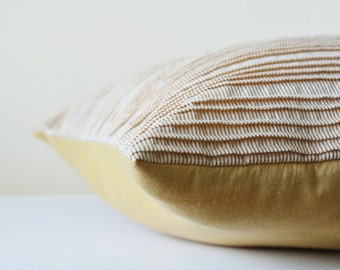 White and Gold Metallic Pleated Pillow Cover , White and Gold Shimmer Pillow with Pleats , Pleated Gold Decorative Pillow , Gold Cushion