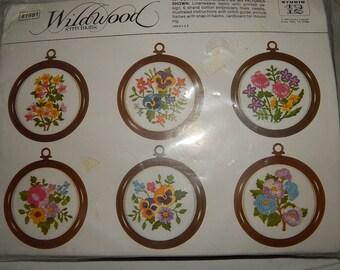 Vintage Wildwood Stitchkms Embroidery Kit 1982
