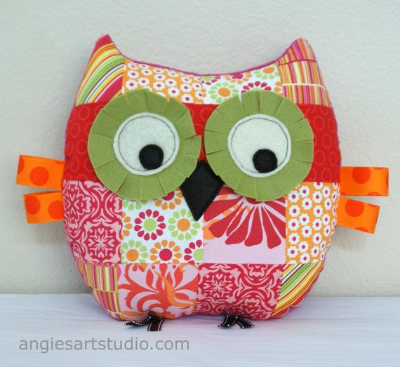 Owl Pillow, Patchwork Owl, Owl Plush Toy, Owl Plushie, Stuffed Animal, Great Baby Girl Gift, Pink and Green