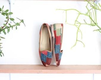 vintage kilim shoes, size 6