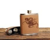 Octopus // Leather Flask Gift Set // 3 Shotglasses
