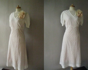 Lace 1930s Dress - Vintage Short Bridal Dress - 30s Pink Slip and Flower Pin S M