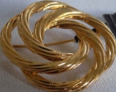 Vintage brooch, signed Monet striated circle gold plate brooch with original tag,jewelry