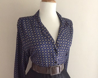 VINTAGE 1950s 1960s Atomic Navy Blue & Brown Polka Dot Print Button Down Long Sleeve Blouse