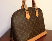 Cyber Coupon 15% Off Sale // Vintage authentic Louis Vuitton Monogram Alma Hand bag // Classic + Effortlessly chic