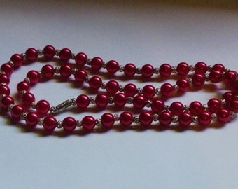 Red, Silver Beaded Necklace   923