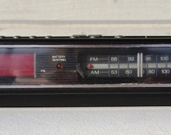 Vintage Clock Radio Chronomatic 272 Radio Shack Brand Alarm AM FM