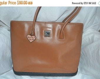 On Sale Dooney & Bourke~Dooney Bag~ Shoulder Bag~ USA Made