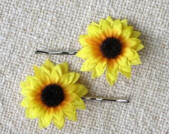 Mini Sunflower Hair Clips, Two Hair Pins, Sunflower Bobby Pins, Sunflower Fascinator, Flower Hairclip, Wedding Accessory, Floral Headpiece
