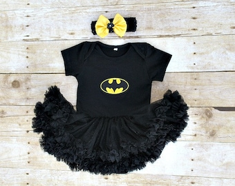 Batman Batgirl Girl Superhero Halloween dress pettiskirt Tutu dress/bodysuit, headband, outfit. Baby, toddler 3 months-18 months